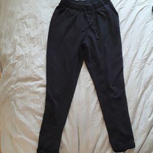 Zara black skinny sweatpant.